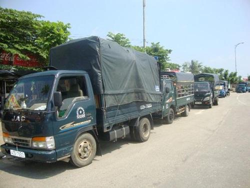 Hoạt động taxi tải chuyên vận chuyển hàng hóa, chuyền nhà và cả kho xưởng hoạt động rộng khắp