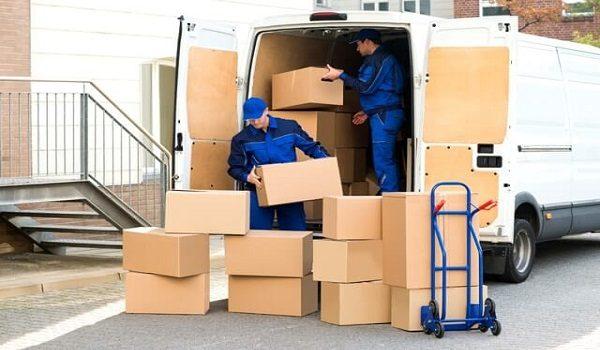 Cần thuê xe tải chở hàng tại TPHCM