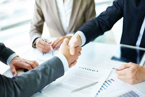Đọc kỹ hợp đồng dịch vụ